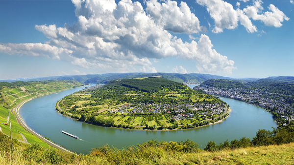 [Translate to English:] Hotel Krone 3 Seen Blick Boppard